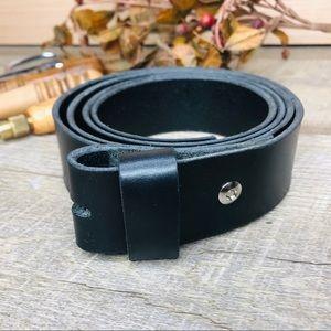 Handcrafted bridle leather belt black